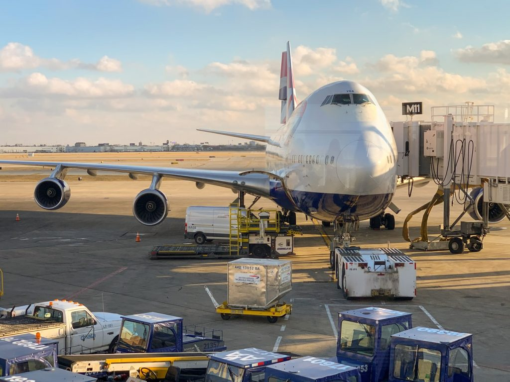 nhập khẩu hàng hóa bằng đường hàng không có khó không
